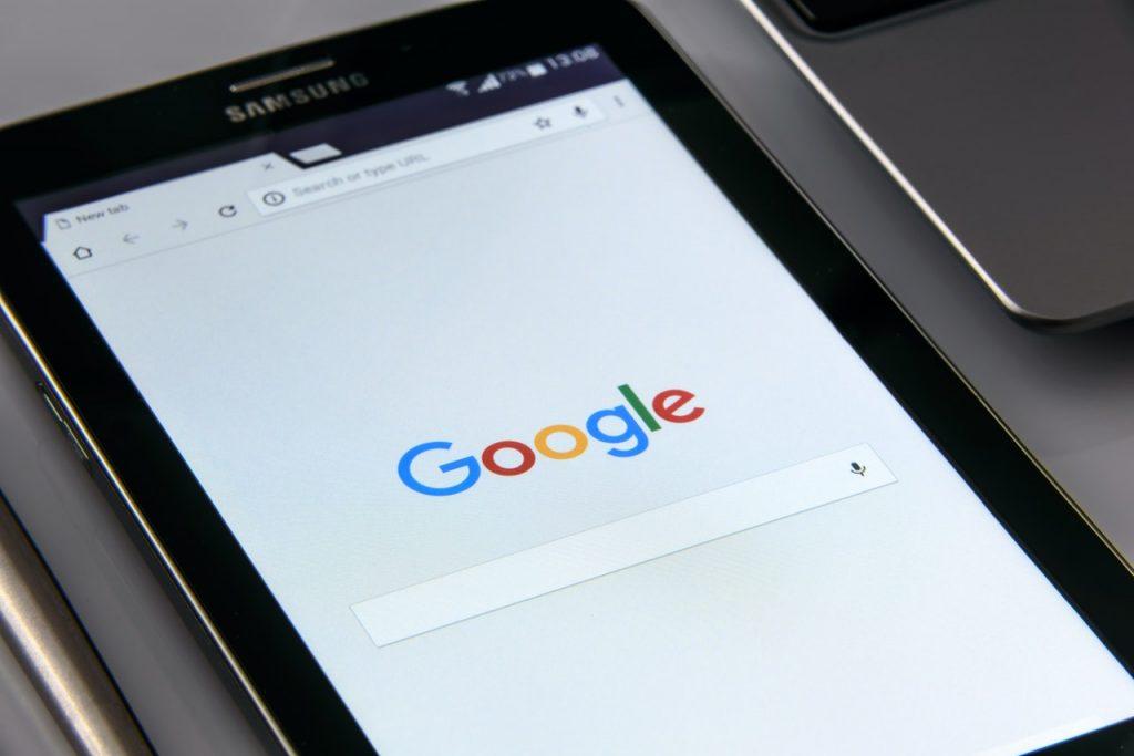Yksi Googlen hakutuloksiin vaikuttavista tekijöistä on verkkosivujen responsiivisuus.